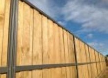 Kwikfynd Lap and Cap Timber Fencing aveley